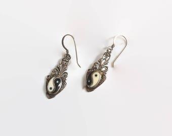 Vintage 70s Yin Yang EARRINGS / 1970s Sterling Silver Drop Pierced Earrings