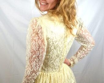 Vintage 1970s Lace Gunne Sax Romantic Renaissance Peasant Lace Wedding Dress - Size 9