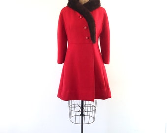 Vintage 1960s Red Wool Mod Coat Fur-Trimmed Collar Winter Princess Coat S