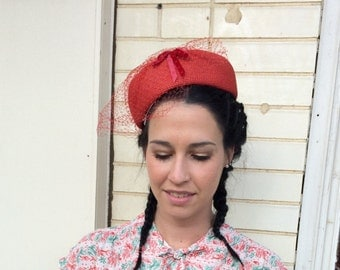 Vintage Red Pillbox Hat 50s 1950s M