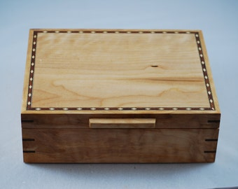 Handcrafted  Quilted Maple  watch box - Holds 6 Watches