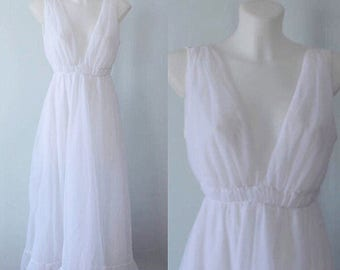 Vintage White Chiffon Nightgown, White Chiffon Nightgown, Kaymar Lingerie, White Nightgown, Romantic, Wedding, Bridal, 1960s Nightgown