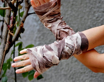 Zombie gloves, steampunk , apocalypse, decadence, warrior woman, mad max, diesel punk, tattered, women accessoires, fingerless gloves, camo