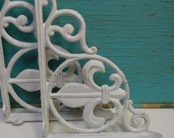 Pair Two Brackets cast iron White Fleur De Lis decorative Shelf Furniture wall supplies French Country Ornate