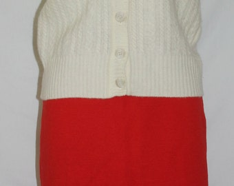 Vintage  Sweater Vest,  Evan-Picone,  Elegant Chic Fashion in the 1960s - 1970s, Cream, Stretchy Knitted Wool blend