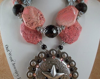 Cowgirl Necklace Set - Chunky Peach Pink Howlite and Black Agate - Crystal - Huge Star Concho Pendant
