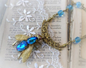 Abeille Aquatique,Vintage Aqua Glass Rhinestone Bee Bug,Pearly Wings,filigree Czech Glass,Vintage Assemblage Necklace,Hollywood Hillbilly