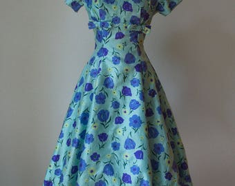 1950s Gigi Young Silk Dressy Dress / Tulip Floral Print / Fit and Flare Full Skirt / 50s Silk Dress / 50s Novelty Print / Small Medium