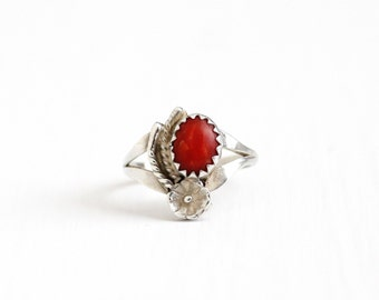 Vintage Sterling Silver Coral Ring - Retro Size 6 Southwestern Native American Red Oval Gem Boho Flower Floral Jewelry