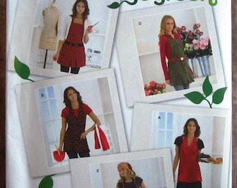 Misses Aprons Sizes S M L XL Simplicity Pattern 2682 UNCUT