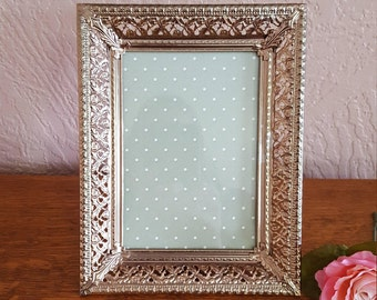 Holds 5 x 7 Picture - Gold Filigree Picture Frame - Oak Hill Vintage - Lot GG