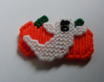 Plastic Canvas Ghost & Pumpkins Magnet  1188  /  Free Shipping in US