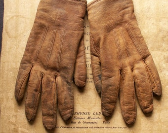 Vintage Tan Leather Girls Gloves with Hansens of Milwaukee Buttons
