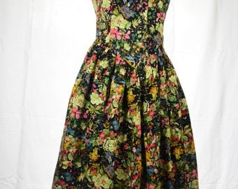 80s Black floral button up sundress with wide collar and flared skirt by Tokepa size S/M