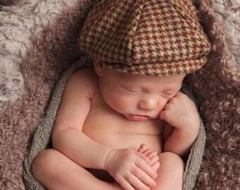 Newborn  Newsboy Hat and Bow Tie Set. Baby Newsboy Hat and Bow Tie Set. Newborn Newsboy Cap and Bow.. Newborn Photography Prop. UK SELLER