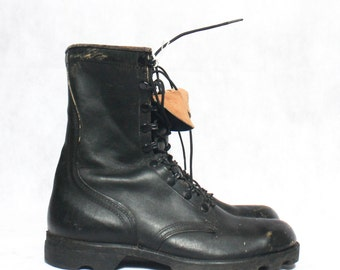 9.5 R | Vintage Combat Boots Standard Issue 1980's Military Lace Up Boot