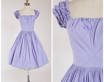 Vintage 1950s Dress • Lusty Lavender • Pale Purple Cotton 50s Dress with Ruffled Sleeves Size XSmall