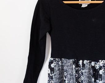 Women's vintage dress / black and white / long sleeve / floral / spring / size medium