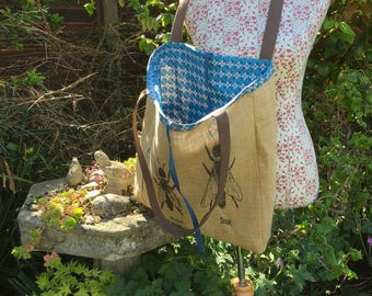 Tote Bag. FREE UK P &P. Large Bee shopping bag in a natural jute. Fully lined, integral pocket.