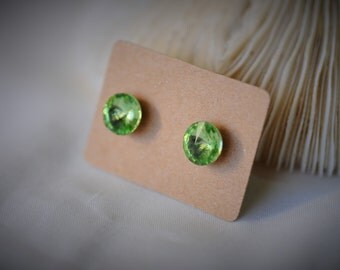 RIVOLI Crystal Earring, Green PERIDOT Stud Earrring, Stainless Steel Stud Earring ~ 8 mm - Girls / Casual / Cutie