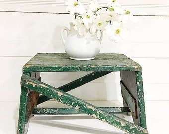 Vintage Wooden Stool Chippy Green Rustic Cottage Farmhouse
