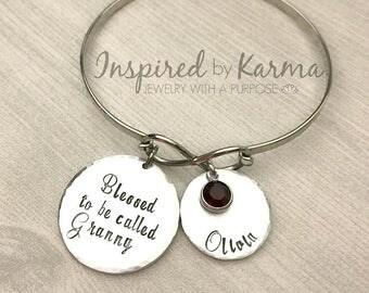 Personalized Infinity Bracelet,Custom Infinity Bangle Bracelet,Birthstone Bracelet,Grandma,Mother's Day Gift,Personalized Mom Bracelet,Aunt