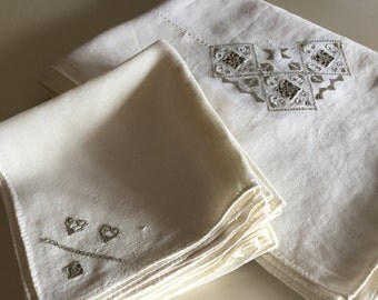 Vintage 50s Embroidered Rectangular Linen Tablecloth & Napkins