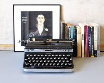 Vintage typewriter, Royal Deluxe Touch Control typewriter, mid century decor, minimalist decor