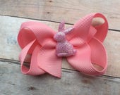 Adorable pink Easter hair bow - pink Easter bow, Easter bunny bow, girls hair bows, toddler bows, pink bow, easter bow, pink hair bows
