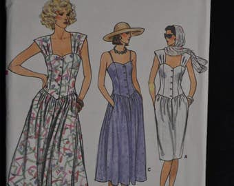 1980's Vogue Summer Dress Pattern - Size 12/14/16 - Sleeveless or Spaghetti Straps - UNCUT Vogue 9333