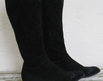 Black Suede Vintage Sergio Rossi Boots// Knee High // Embroidered// Riding Boot// Size 7