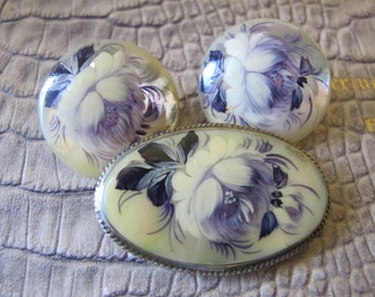 Russian Style Hand-Painted Mother of Pearl Shell Brooch & Earrings, Clips, SET.Painted by Hand Russian Folk Art Jewelry/Romantic Pretty Folk