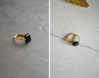 Black agate brass ring
