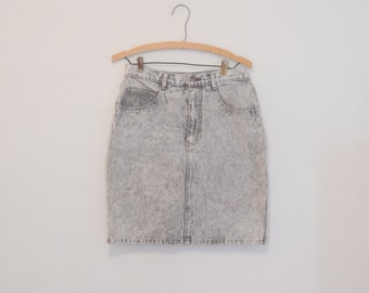 High-Waisted Acid Washed Gray Denim Skirt - 1980s