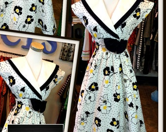 Vintage White Black Yellow Floral Print Dress with Pockets FREE SHIPPING