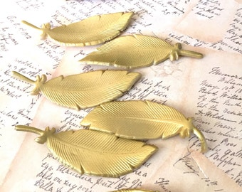 """Gold Edible Sugar Feathers """"By The Dozen"""""""