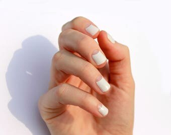White Avery Transparent Nail Wraps