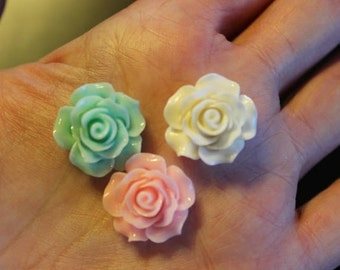 8 resin cabochons roses, 18-20 mm x 9 mm, 2 pairs pink, 1 pair white, and 1 pair light green, flat back