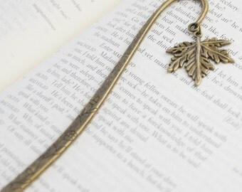 Fall Gifts, Autumn Bookmark, Reader Gifts, Leaf Bookmark, Maple Leaf Bookmark, Gift for Mom, Gifts for Readers, Maple Leaf Book Mark
