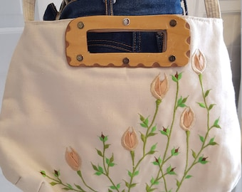 Floral Vintage Embroidered Purse with Wooden Handle