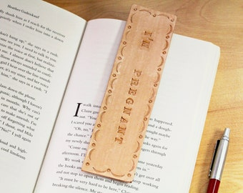I'm Pregnant Leather Bookmarks, Surprise Pregnancy Announcement, New Baby Announcement, Pregnancy Reveal Maternity, Announce Baby, IP175