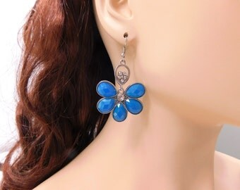 Blue Flower Earrings Silver Flower Earrings Rhinestone Crystal Earrings Large Turquoise Aqua Lucite Lightweight Vintage Earrings Jewelry