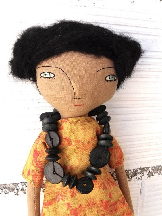 Art doll with alpaca and silk hair. 32 cm. Dress in linen and cotton fabric