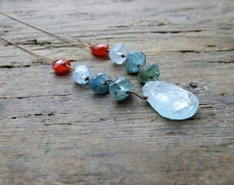 Raw aquamarine necklace. Rough stones necklace. Raw Aquamarine, apatite, carnelian necklace. Statement aquamarine necklace. March birthstone