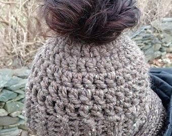 Crochet Messy Bun Ponytail Hat // Crochet Bun Ponytail Beanie // Running Hat // Sister Friend Gift // Wood Brown