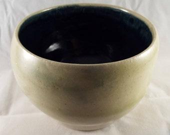 Small ceramic bowl (D)