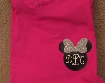 Monogrammed Minnie Mouse shirt, Minnie Mouse vinyl shirt, vinyl Minnie Mouse shirt, personalized, disney shirt, disney vinyl shirt