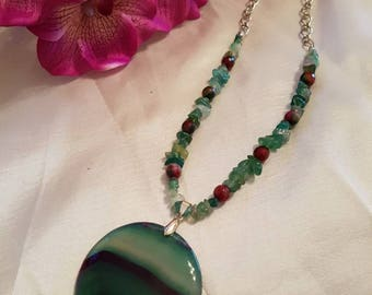 Gemstone necklace, agate necklace, ladies necklace, green necklace, pendant necklace, gift for her, handmade necklace, handmade jewelry,