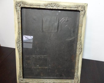 Vintage 10 x 13 Ornate Carved Wood Photo/Picture Frame - Beige with Grey Wash and Gold Gilt Accents