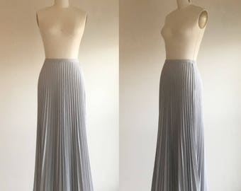 Skirt- Maxi skirt- Long skirt- Gray skirt- Grey skirt- Pleated skirt- Accordion pleats- Preppy skirt- 70s skirt- 1970s clothing- Small
